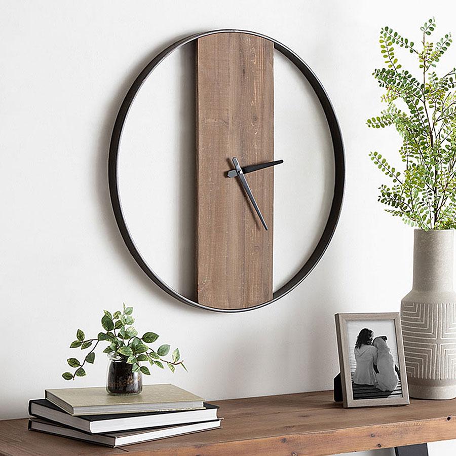 Uniek brand wood and metal clock